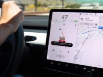 Tesla publishes new software updates with new features